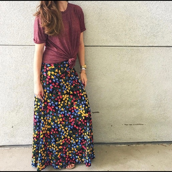 In Lularoe Maxi Skirt Xs Nwt Floral Print Fashionable Style;